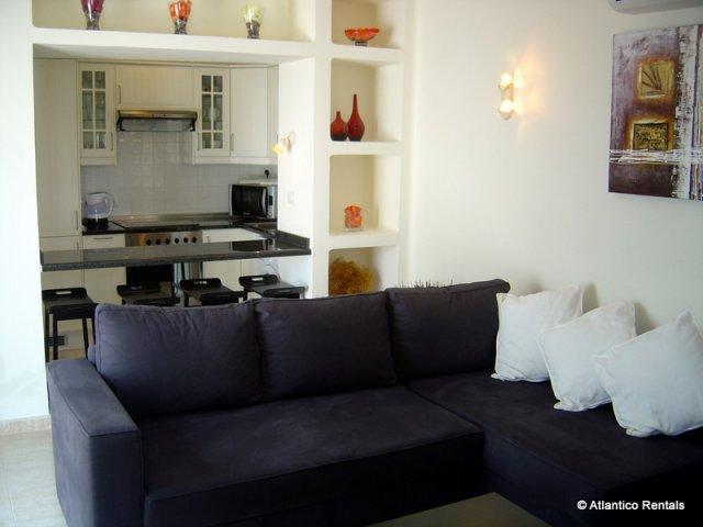 Lounge (pic2) - Las Palmeras II Complex, Puerto del Carmen, Lanzarote